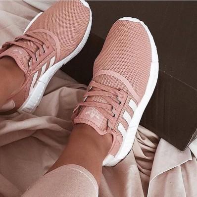 de chaussures de sport pour le fille adidas